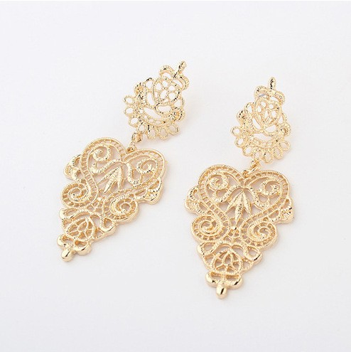 Hollow Fashion Gold Earrings VGA07006