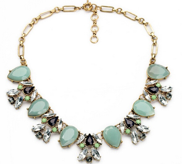 Chain Green Gemstone Necklace VGA07012