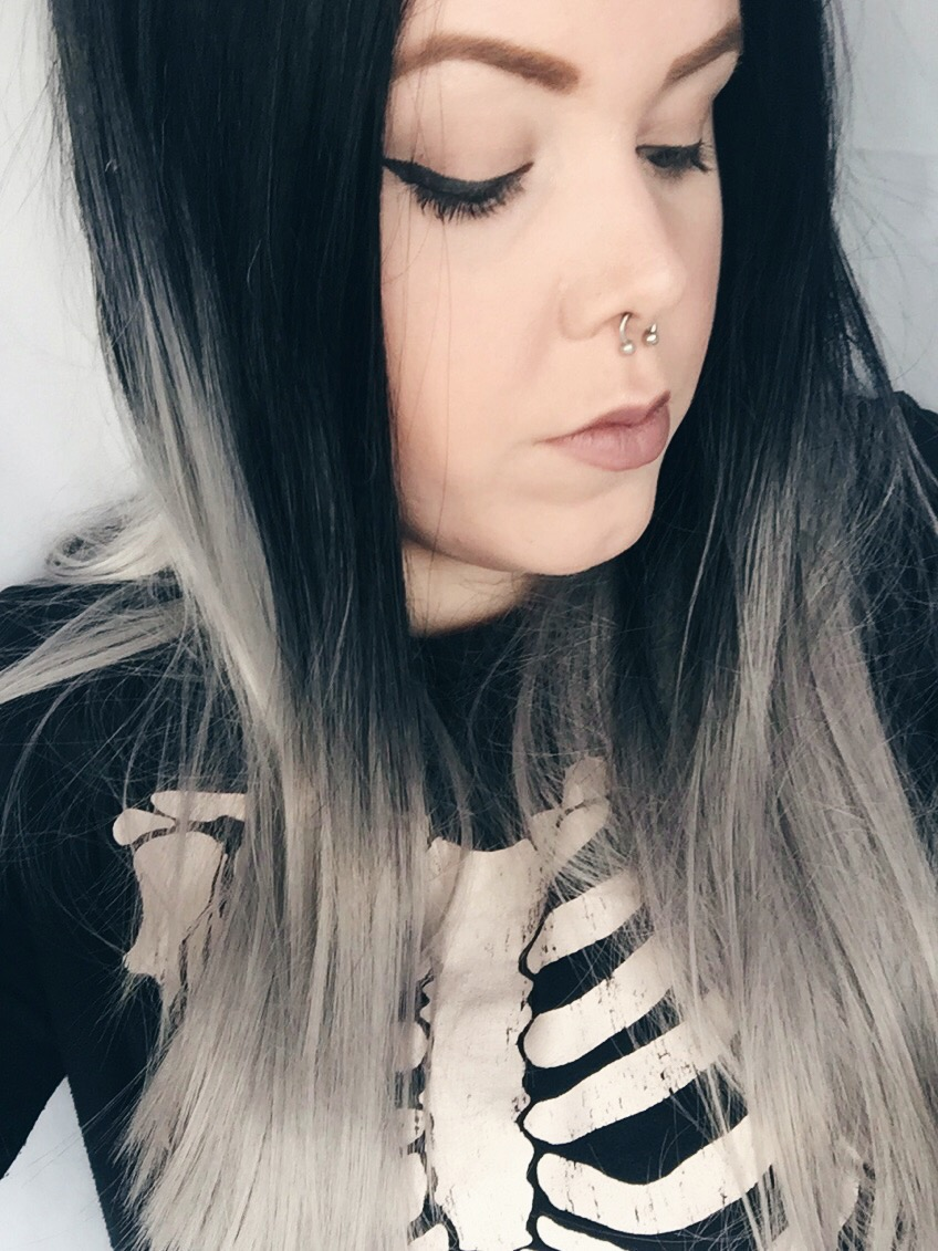 """Black To Grey Ombre 26"""" Synthetic Wigs Lace Front Wigs VGW05001"""